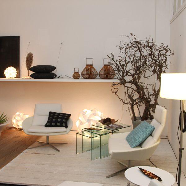 Interior moderno com iluminação